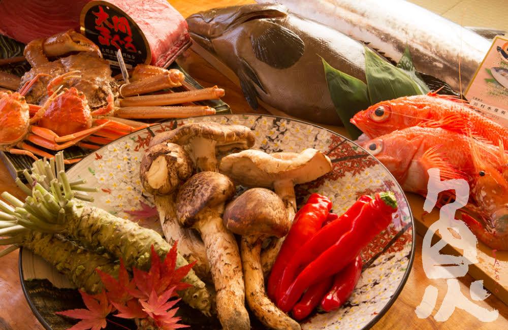 2022 新春オードブル<p>極上の品々で紡ぐ、 新春限定のオードブルをご用意いたします。 一の重には、厳選食材を至高の技で仕上げた逸品料理、 二の重には、上質・新鮮な海の幸。 新年の幕開けに相応しい、 みつわならではの贅沢な二段重でございます。 一 […]</p>