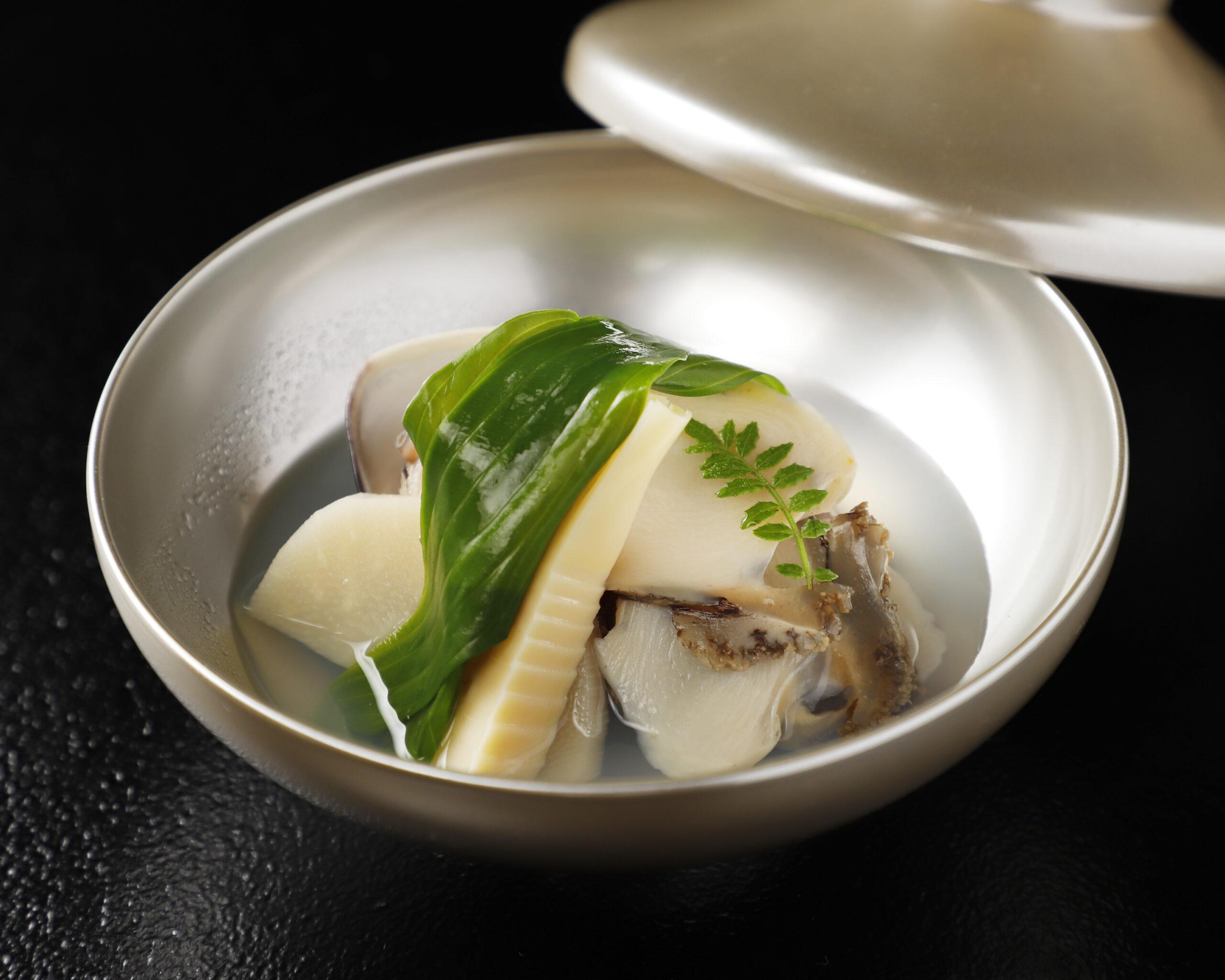 昼の部【旬の味覚ランチ】<p>四季折々の味覚をコース仕立てでご用意いたします。 旬の食材をたっぷりとお楽しみいただけます。</p>