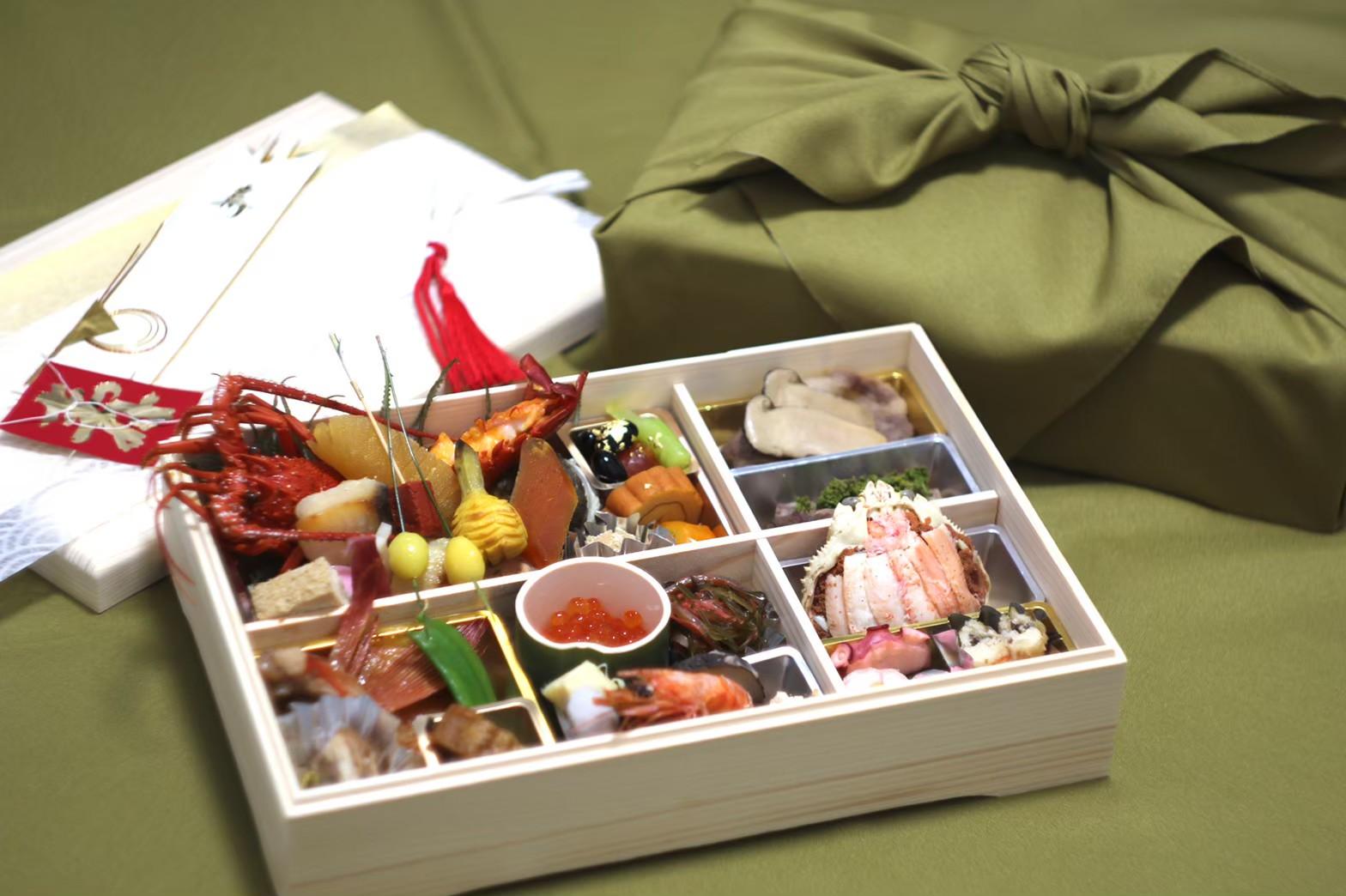 2022  おせちのご案内<p>日本料理みつわより、 新春を彩るおせちのご案内です。 厳選された食材に匠の技を加え、 一品一品丁寧にお作りいたします。 一人前 27,000円 伊勢海老・きんき煮・とちぎ和牛花山椒すき焼・鮑など 贅沢なごちそうを特別仕様 […]</p>